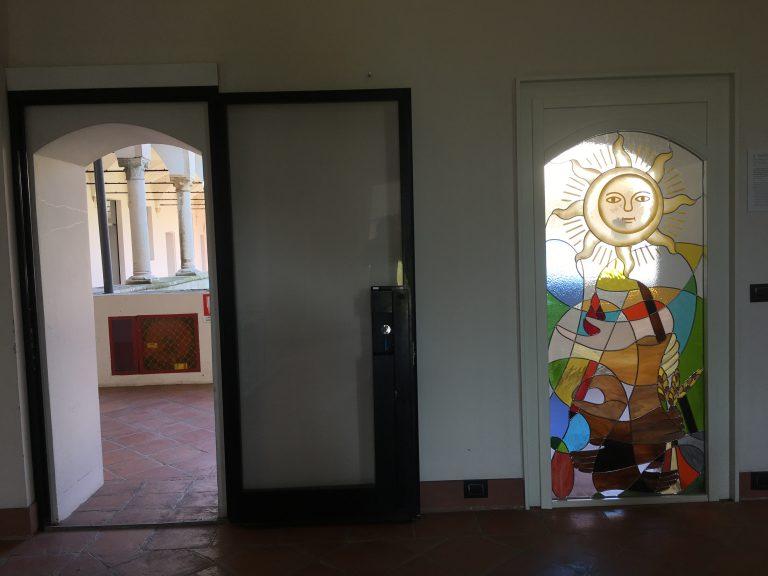 Una vetrata artistica per raccontare del Progetto Mirasole
