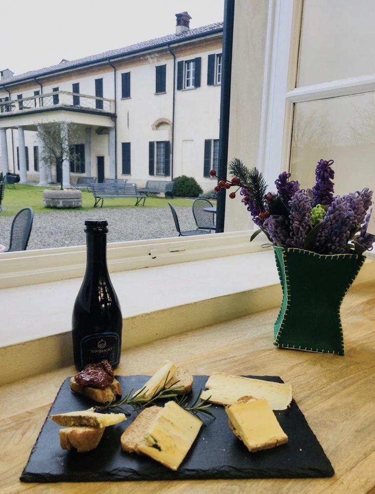 Novità al Ristoro: aperitivi con degustazione di formaggi monastici